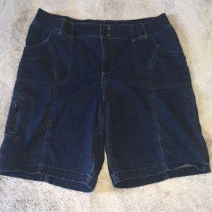 Lee Sz 16 Knee length dark denim shorts stretchy